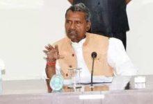 Photo of योजनाओं के सम्बंध में लाभार्थियों को सही जानकारी अवश्य प्रदान की जाय: मंत्री रमापति शास्त्री