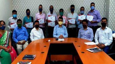 Photo of डाक विभाग द्वारा सतर्कता जागरूकता सप्ताह के समापन पर पोस्टमास्टर जनरल कृष्ण कुमार यादव ने डाककर्मियों को किया पुरस्कृत