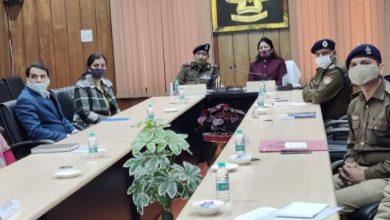 Photo of महिला सुरक्षा से सम्बन्धित मुद्दों पर चर्चा करते हुएः सदस्य राष्ट्रीय महिला आयोग