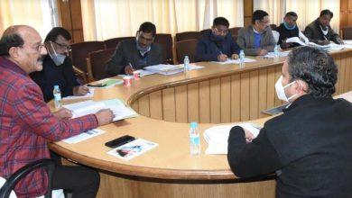 Photo of कृषि विभाग की समीक्षा बैठक करते हुएः सुबोध उनियाल