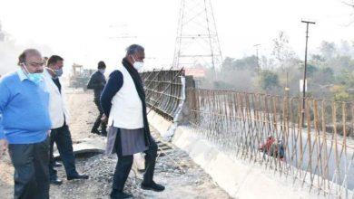 Photo of सीएम त्रिवेंद्र सिंह रावत ने लाल तप्पङ फ्लाईओवर का निरीक्षण किया