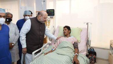 Photo of श्री अमित शाह ने मुठभेड़ में शामिल जवानों से मिलकर संवाद किया और उनके साथ मिलकर भोजन भी किया