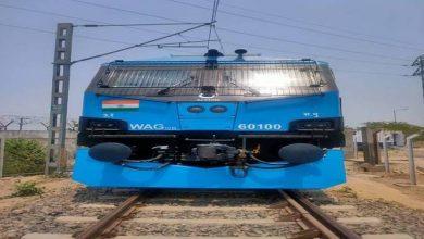 Photo of भारतीय रेलवे ने 12000एचपी डबल्यूएजी 12बी का 100वां इंजन अपने बेड़े में शामिल किया