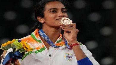 Photo of सीएम ने टोक्यो ओलंपिक में बैडमिंटन खिलाड़ी पी.वी. सिंधु को कांस्य पदक जीतने पर बधाई एवं शुभकामना दी