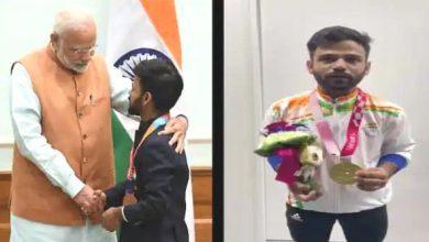 Photo of प्रधानमंत्री ने पैरालंपिक खेल की बैडमिंटन स्पर्धा में स्वर्ण पदक जीतने पर कृष्णा नागर को बधाई दी