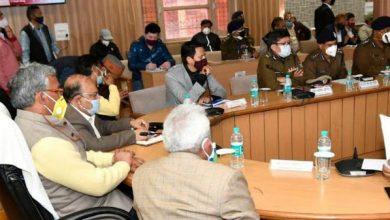 Photo of दिव्य हरिद्वार कुम्भ 2021 के आयोजन के संबंध में समीक्षा बैठक के दौरान अधिकारियों को निर्देश देते हुए: सीएम