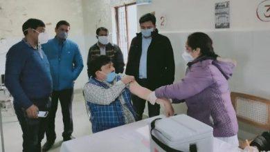 Photo of कोरोना वैक्सीनेशन में अहम योगदान दे रहा क्षय रोग विभाग, प्रदेश अध्यक्ष ने खुद लगवाई वैक्सीन