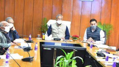 Photo of सचिवालय में सितारगंज चीनी मिल के संबंध में बैठक लेते हुए: सीएम