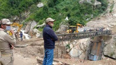 Photo of सीमा सड़क संगठन उत्तराखंड के नीति सीमा के साथ संपर्क पुनर्स्थापित करने के लिए चमोली के बाढ़ प्रभावित इलाके में 200 फीट के एक बैली पुल का निर्माण कर रहा है