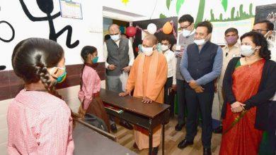 Photo of डॉ0 श्यामा प्रसाद मुखर्जी (सिविल) चिकित्सालय में संचालित कोविड वैक्सीनेशन कार्य का आकस्मिक निरीक्षण करते हुएः सीएम