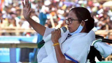 Photo of कोरोना के बढ़ते मामलों के बीच CM ममता की मांग, एक फेज में हो बाकी का चुनाव
