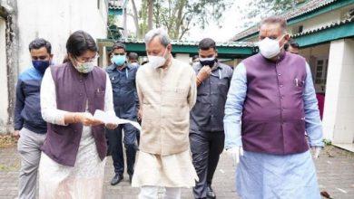 Photo of छावनी परिषद अस्पताल का निरीक्षण करते हुएः सीएम तीरथ सिंह रावत