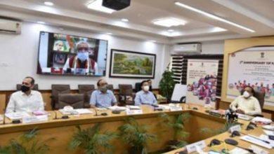 Photo of प्रधानमंत्री जी ने न सिर्फ लोगों तक अच्छी प्राथमिक स्वास्थ्य सेवाएं पहुंचाने का विजन देखा, बल्कि उसे जमीन पर उतारने के अभियान का भी नेतृत्व किया: डॉ. हर्षवर्धन