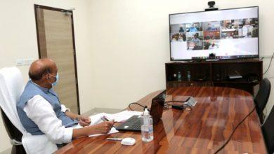 Photo of रक्षा मंत्री श्री राजनाथ सिंह ने कोविड-19 मामलों में आई तेजी से निपटने के लिए मंत्रालय और सशस्त्र बलों की तैयारियों की समीक्षा की