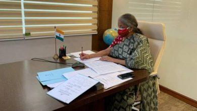 Photo of सरकार द्वारा जो भी कदम उठाए गए हैं उससे हमें उम्मीद है कि सकारात्मक बदलाव होंगे: निर्मला सीतारमण