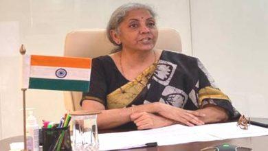Photo of वित्त मंत्री श्रीमती निर्मला सीतारमण ने वर्चुअल मीट के जरिए घर खरीदने वालों को कब्जा सौंपा