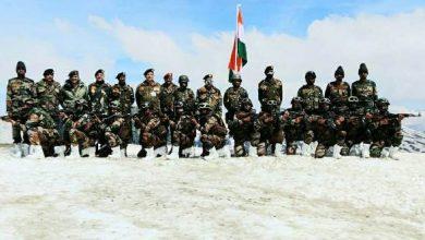 Photo of सेना प्रमुख ने कश्मीर में नियंत्रण रेखा पर सुरक्षा स्थिति का जायजा लिया