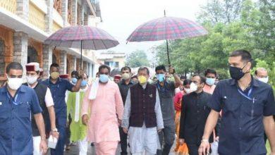 Photo of CM तीरथ सिंह रावत ने कोविड-19 वाररूम का भी निरीक्षण किया