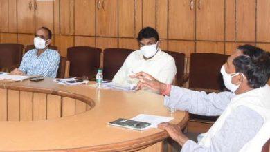 Photo of पेयजल विभाग की समीक्षा बैठक करते हुएः मंत्री बिशन सिंह चुफाल