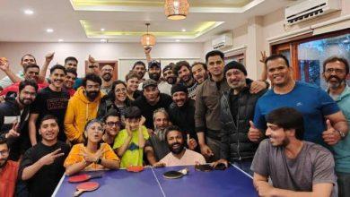 Photo of आमिर खान ने 'लाल सिंह चड्ढा' की यूनिट के साथ टेबल टेनिस टूर्नामेंट का उठाया लुत्फ, देखें तस्वीरें!