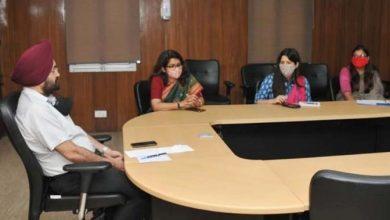 Photo of सभी जनपदों से सीडीओ के साथ बैठक करते हुएः मुख्यसचिव