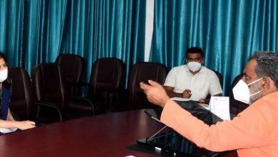 Photo of ग्राम्य विकास विभाग की समीक्षा बैठक लेते हुएः विभागीय मंत्री यतीश्वरानन्द