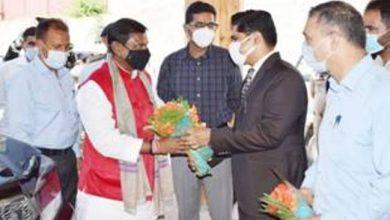 Photo of अर्जुन मुंडा ने कई परियोजनाओं का उद्घाटन किया और प्रतिनिधिमंडलों से मुलाकात की